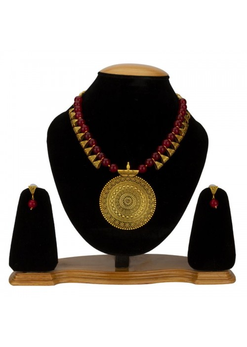 Jewels Galaxy Magenta Copper Plated Pearl Necklace Set