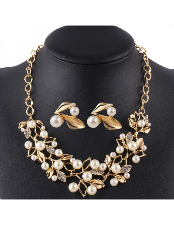 Jewels Galaxy White & Gold-Toned Gold-Plated Pearl-Studded Necklace Set
